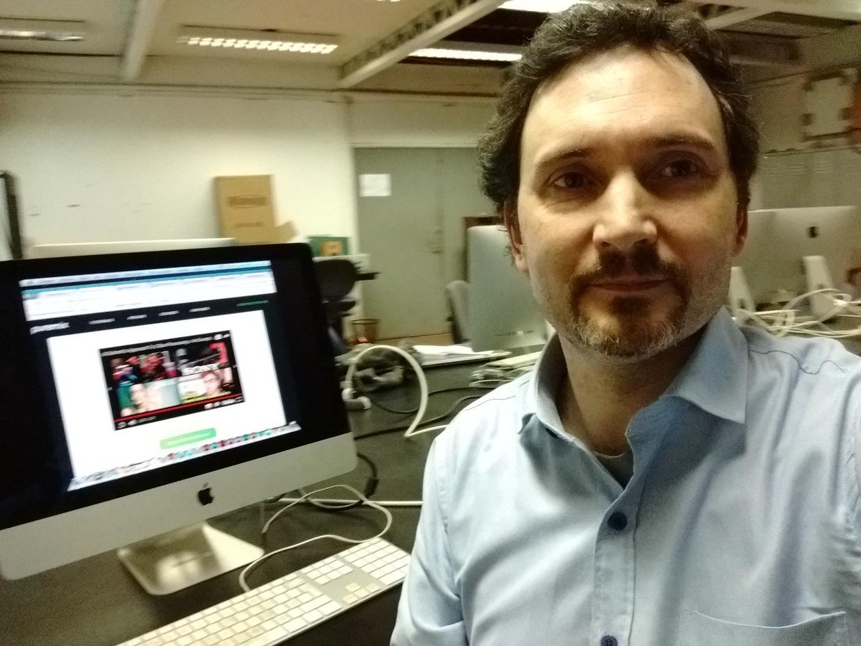 El académico del DSON Leonardo Cendoyya integra el proyecto Producetumusica.cl, junto al profesor Sean Moscoso.
