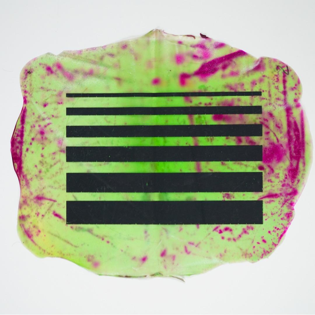 """El proyecto """"SENSIBLE"""" se emplaza en la exploración de las posibilidades de aplicación de sensores fabricados a partir de materiales biodegradables para la creación de interfaces electrónicas y su aplicación en instalaciones interactivas."""